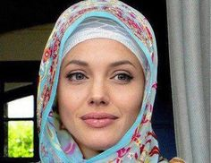 Angelina Jolie's Pakistan Visit ♥♥ The sun doesn't lose its beauty when covered by the clouds. The same way your beauty doesn't fade when being covered by Hijab.