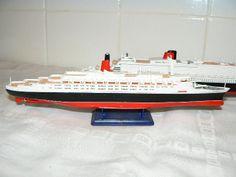 Scale Model Ships, Scale Models, Queen Mary, Queen Elizabeth, 2 Set, Scale Model