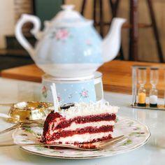 trà chiều #red #reveal #cake