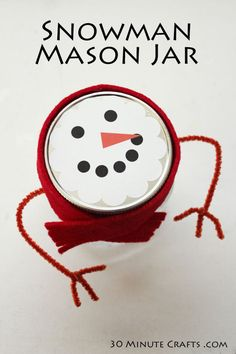 Make this simple snowman mason jar using the free printable and some basic craft supplies - perfect for holiday gift giving.