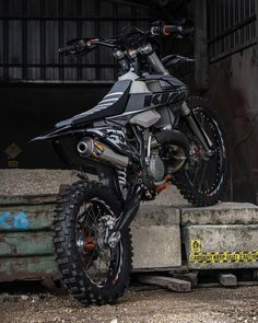 #EMFanPic Black KTM 🖤 . . 📸 @jeremy.53 © . ¡No olvidéis seguirle y no olvidéis suscribiros a nuestro canal de Youtube! . . . . #enduro… Ktm, Super Bikes, Motocross, Honda, Motorcycle, Vehicles, Instagram, Black, Motorbikes