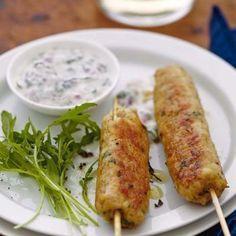 Keftas de dinde épicée, sauce yaourt à la menthe recette pas chère