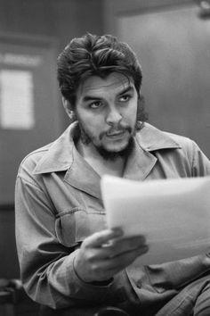 Victoria Karl Marx, Che Quotes, Che Guevara Photos, Che Quevara, Che Guevara T Shirt, Cuba History, Trinidad, Ernesto Che Guevara, Communist Propaganda