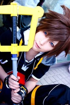 Sora cosplay Kingdom Hearts II credits to the owner of the picture, I don't own the picture! Cosplay Boy, Epic Cosplay, Amazing Cosplay, Cosplay Outfits, Cosplay Costumes, Anime Cosplay, Cosplay Ideas, Cheap Cosplay, Kingdom Hearts Cosplay