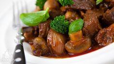 Hovězí ragů s houbami a brokolicí