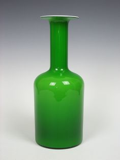 "12"" tall Homegaard green cased gulvvase. Designed by Otto Brauer"