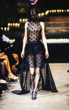 Alexander McQueen Fall 1996 Ready-to-Wear Collection Photos - Vogue
