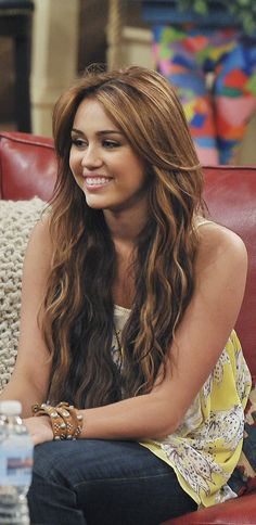 Hannah Montana Hair, Hannah Montana Forever, Miley Cyrus Brown Hair, Old Miley Cyrus, Grand Prince, Haircuts For Long Hair, Cute Hairstyles, Hairdos, Cabelo Miley Cyrus