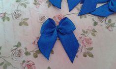 Lacinho de cetim azul royal