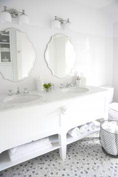 Eclectic Bathroom Design, Pictures, Remodel, Decor and Ideas - page 20 Glamorous Bathroom, Eclectic Bathroom, Beautiful Bathrooms, Beautiful Mirrors, Bathroom Modern, Bathroom Interior, All White Bathroom, Small Bathroom Vanities, Bathroom Mirrors