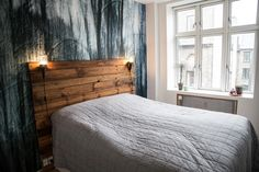 DIY wooden headboard via http://sonomaseven.dk/diy-wood-headboard/