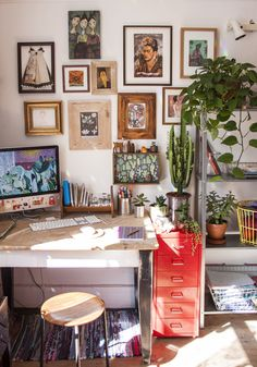 Study home office my desk boho style bohemian wooden wodden design Office/work spaces inspiration for Katharine Dever Home Office Design, Home Office Decor, House Design, Nest Design, Office Designs, Office Ideas, Guest Room Office, Room Themes, Boho Decor