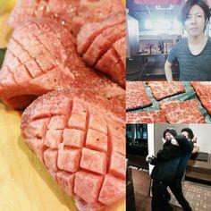 厚切りタンと、師匠と弟子と、お肉。 #焼肉 #龍王館 パピヨンプラザ店の期待の新人社員は、#アルバイト 歴からしたらかなり古株(笑)#肉 をお勉強中とは言え#素敵 に盛り付けてくれます(*^_^*)#寒い 時は焼肉で温まって下さい!#おいしいは幸せ (●´ω`●)#肉スタグラム #厚切り牛タン #師匠と弟子 (笑)