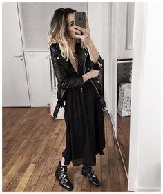 Audrey sur Instagram : Jambes NUES (avec chair de poule!) ⚫️ • Leather Jacket #aninebing #aninebingparis (from @aninebing) • Dress #bash #bashparis (old) • Boots #givenchy (on @farfetch) ...