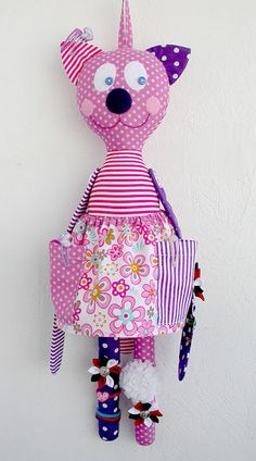 labor day crafts for kids Free idea Sewing For Kids, Baby Sewing, Labor Day Crafts, Sewing Crafts, Sewing Projects, Little Girl Toys, Handmade Stuffed Animals, Fabric Animals, Fabric Toys