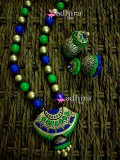 Terracotta Jewellery Making, Terracotta Jewellery Designs, Terracotta Earrings, Polymer Clay Necklace, Polymer Clay Pendant, Beaded Necklace Patterns, Jewelry Patterns, Funky Jewelry, Wooden Jewelry