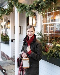 Monday Nights at The Griswold Inn Source by stacieflinner fashion night Preppy Winter Outfits, Preppy Fall, Simple Outfits, Fall Outfits, Patagonia Outfit, Patagonia Clothing, New England Prep, Denim Pumps, Brown Knee High Boots
