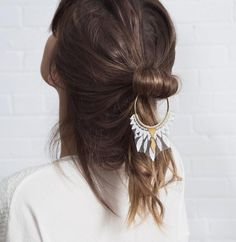 Turn heads with a lace-trimmed brass hair ornament from Etsy seller Thisilk, dangling from a loose updo. Bobby Pin Hairstyles, Headband Hairstyles, Diy Hairstyles, Wedding Hairstyles, Bun Hairstyle, Knot Bun, Top Knot, Loose Updo, Braut Make-up
