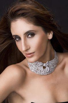 Farah Khan diamond necklace