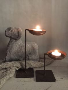 metalen waxinelichthouders Incense, Candle Holders, Candles, Decor Ideas, Porta Velas, Candy, Candle Sticks, Candle Stand, Candle
