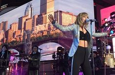 Taylor Swift - Dick Clark's 2014 New Year's Rockin' Eve - Times Square - New York City, New York - December 31, 2014.