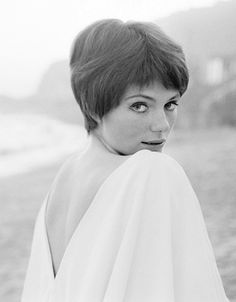 Jacqueline Bisset by Terry O'Neill...with short hair!!