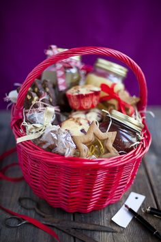 Edible Christmas Gift Basket! Biscuits Jam White Christmas Fudge