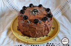 Tort de post cu crema de ciocolata si visine Cake, Desserts, Food, Sweet, Tailgate Desserts, Candy, Deserts, Kuchen, Essen