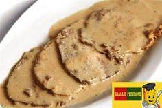 Ingredienti per 4persone 600 gr di lonza di maiale a fette 1 cipollapiccola 1 bicchiere di vino bianco sale 1 ltdi latte 1 dado per brodo vegetale olio