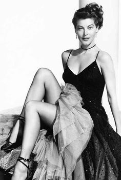 Very sexy photo of classic film star Ava Gardner. Hollywood Icons, Golden Age Of Hollywood, Vintage Hollywood, Hollywood Glamour, Hollywood Stars, Hollywood Actresses, Classic Hollywood, Actors & Actresses, Ava Gardner