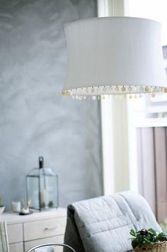 Bilderesultat for tine k lampe Dining Room, Table Lamp, Lighting, Beads, Home Decor, Houses, Beading, Table Lamps, Decoration Home