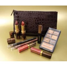 Sunkissed SUNkissed Mini Holiday Collection£7.80 (FREE UK Delivery)http://www.123hairandbeauty.co.uk/beauty-products-c5/gift-set-c34/sunkissed-sunkissed-mini-holiday-collection-p1553