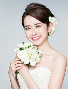 Wedding Hair Flowers, Flowers In Hair, Wedding Dresses, Japanese Wedding, Hair Setting, Natural Wedding Makeup, Headpiece, One Shoulder Wedding Dress, Marie