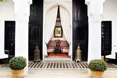 Shoelifer.com - Le riad de Jasper Conran, au style arty chic est niché dans la médina de Marrakech. Une adresse où s'exiler le temps d'un week-end.