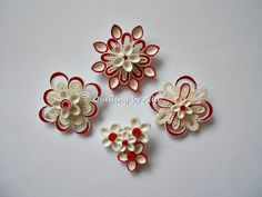 Quilling by Ada: Martisoare-brosa Paper Quilling Earrings, Paper Quilling Flowers, Paper Quilling Tutorial, Paper Quilling Patterns, Quilling Jewelry, Quilling Paper Craft, Quilling 3d, Quilling Ideas, Quiling Paper