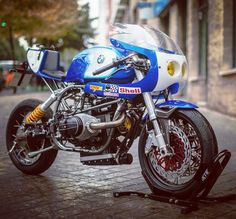 "bikebound: ""On BikeBound.com: Street-Legal BMW Endurance Racer by @xtrpepo. ⚡️Link in Profile⚡️ :: #bmw #bmwmotorrad #r100 #r100r #caferacer #airhead """