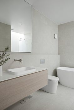 Minimalist Bathroom Design, Bathroom Layout, Modern Bathroom Design, Bathroom Interior Design, Modern Luxury Bathroom, Modern Contemporary Bathrooms, Bathroom Design Inspiration, Bad Inspiration, Laundry In Bathroom