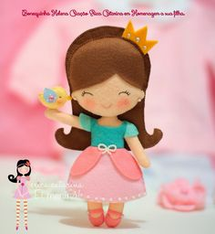 Free patterns for felt dolls based on Disney princesses -- simple, easy, and adorable.