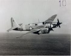 Short Sturgeon Navy Aircraft, Aircraft Photos, Ww2 Aircraft, Aircraft Carrier, Military Aircraft, Aviation Image, Aviation Art, Bristol Beaufighter, Old Planes