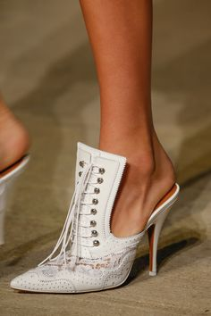 Givenchy Spring 2016 Ready-to-Wear Fashion Show Details