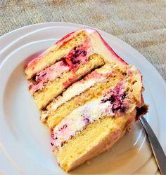 Úžasná torta s jednoduchým Mascarpone krémom s malinami a ružovou vodou ... Sandwiches, Food, Mascarpone, Essen, Meals, Paninis, Yemek, Eten