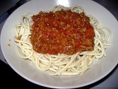 Incearca aceasta reteta de spaghete cu carne tocata pentru a te bucura de o cina savuroasa si simplu de pregatit.