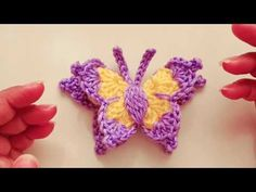 "MARIPOSA a Crochet o Ganchillo en ""3D""🧵🧶🧵🧶🦋🦋🦋 - YouTube Crochet Butterfly Pattern, Crochet Flowers, Crochet Patterns, Crochet Ideas, Knitted Animals, Butterfly Crafts, Chrochet, Fingerless Gloves, Arm Warmers"