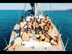 *Sailing vacations create memories and experiences that stick with guests for a lifetime. A sailing vacation aboard an expedition yacht ramps up the adventure tenfold!*    What is a Sailing Vacation? – The Ultimate Answers!   Yacht Sailing Charters