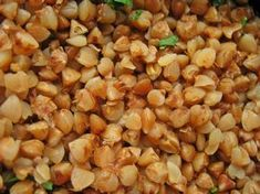 Buckwheat is a gluten-free source of vegetable protein, vitamins, minerals, and one particularly important flavonoid called rutin. Lunch Recipes, Healthy Recipes, Tofu Salad, Balanced Diet Plan, Cabbage Soup Diet, Chicken Steak, Vegetable Protein, Diet Plans To Lose Weight Fast, Evening Snacks