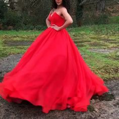 Wedding Dress Types, Wedding Dress Organza, Red Wedding Dresses, Perfect Wedding Dress, Prom Party Dresses, Bridal Gowns, Gown Wedding, Red Ball Gowns, Ball Dresses