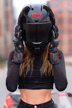Hot Biker Girl in a Super Cool AGV Motorcycle Helmet Biker Chick, Biker Girl, Girl Motorcyclist, Biker Photoshoot, Mode Emo, Biker Couple, Womens Motorcycle Helmets, Shotting Photo, Bike Photography