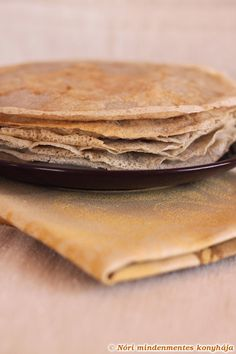 Nóri's ingenious cooking: Vegan & gluten-free galettes - buckwheat pancakes, thin & light as air! [Made these with teff instead of buckwheat for injera. SO good and SO easy! Buckwheat Crepes, Vegan Crepes, Cooking Buckwheat, Pancakes Végétaliens, Vegan Pancakes, Breakfast Pancakes, Gf Recipes, Whole Food Recipes, Cooking Recipes