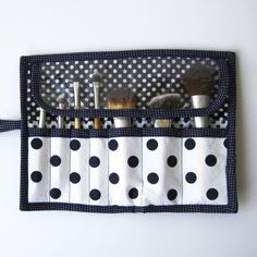 Makeup Brush Roll • Free tutorial with pictures on how to sew a roll-up pouch in under 60 minutes