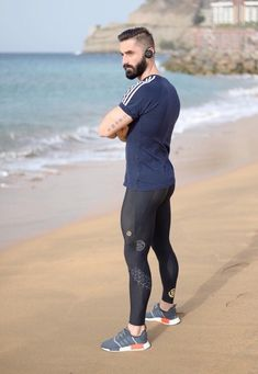 Men in lycra, tights and spandex that drive me WILD Sport Fashion, Fitness Fashion, Mens Leotard, Mens Tights, Workout Pictures, Athleisure Wear, Gym Style, Gym Wear, Sport Wear